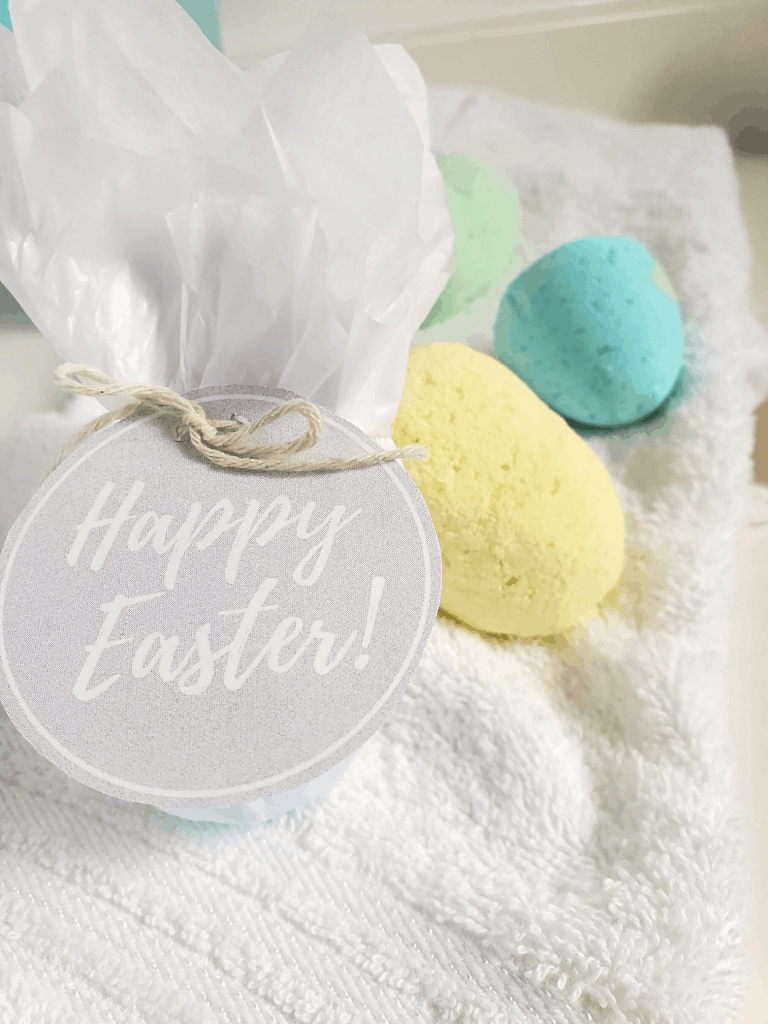 Bath bombs and a happy easter tag