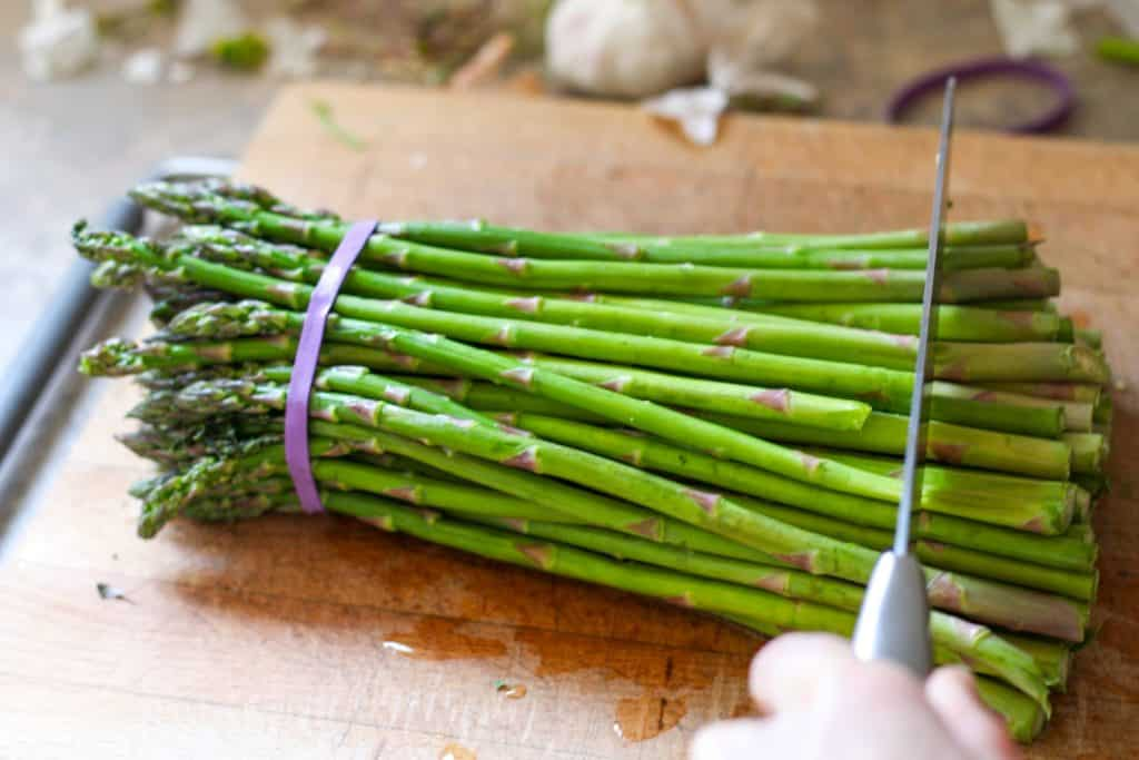 cutting woody ends off asparagus