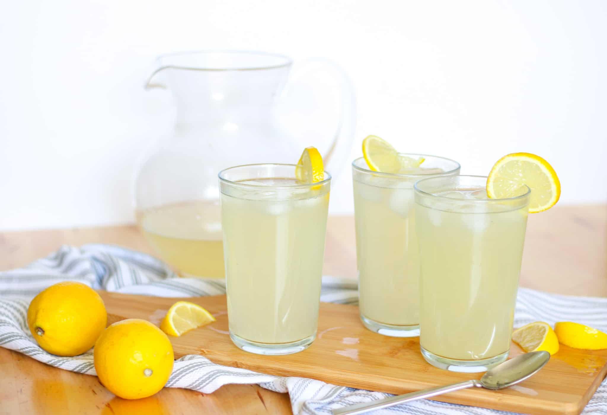 glasses of lemonade and lemons